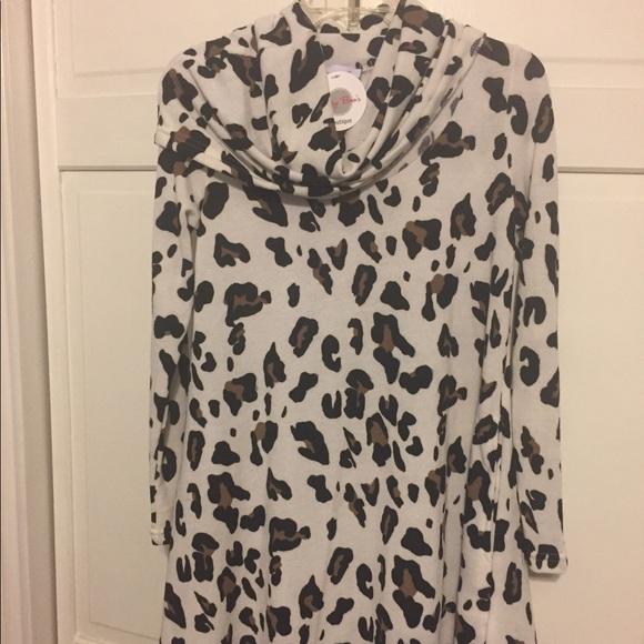 0b1bebac9abb3 Betsy Boo s Animal print tunic size Lg